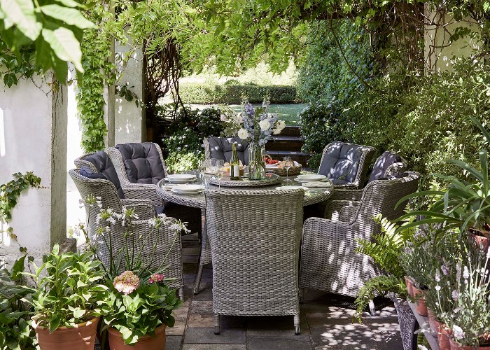Dobbies Garden Furniture Sale Win 100 to spend at dobbies garden centres celebrate the start of spring with the uks leading garden centre workwithnaturefo