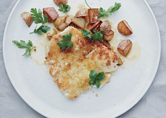 Breaded plaice with white wine sauce and sautéed potatoes recipe