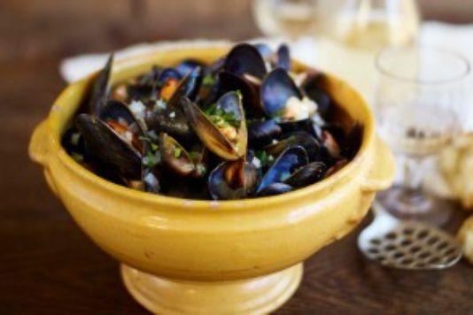 Elizabeth David's moules marinière recipe