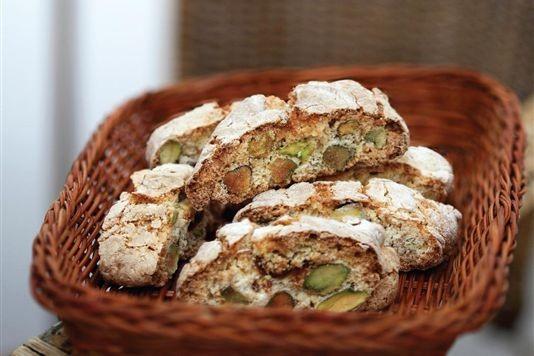 Pistachio and fig biscotti recipe