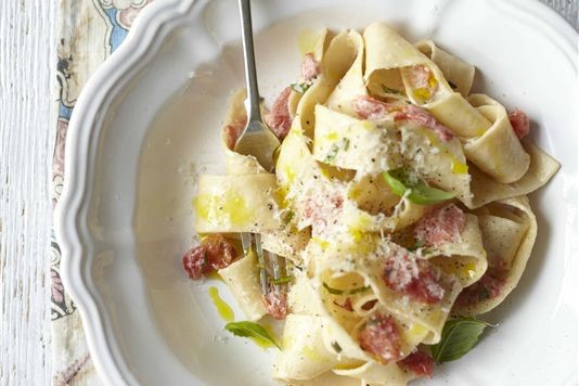 Fresh pappardelle with tomato and basil sauce recipe