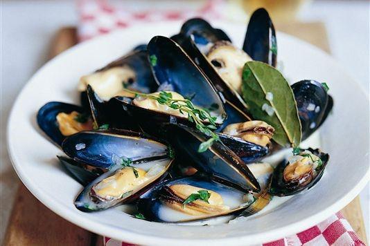 Raymond Blanc's moules marinière recipe