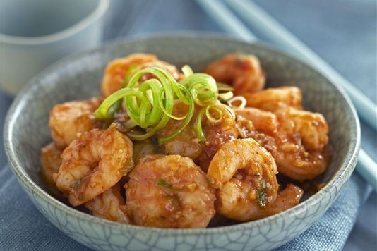 Ken Hom's Sichuan prawns in chilli sauce recipe
