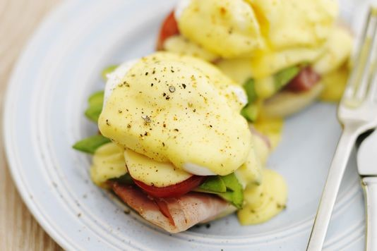 gizzi+erskine+-+australian+egg+benedict.jpg