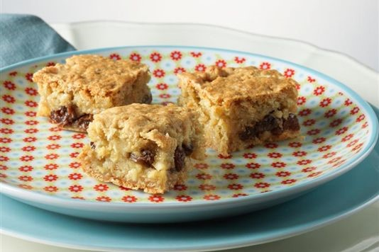 Rachel Allen's apple and raisin honey squares recipe