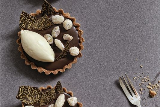 Salted caramel and chocolate tart recipe
