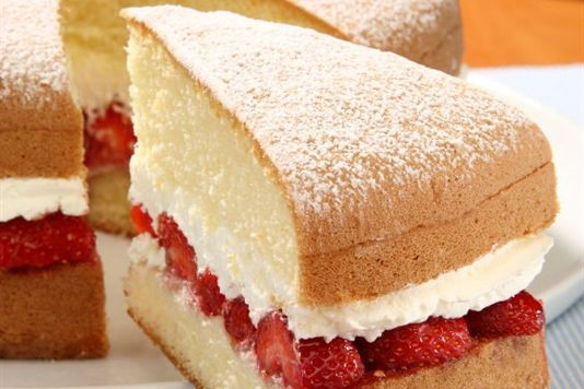 Victoria Sponge Cake With Strawberries Recipe